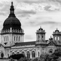 4.Architectural-Beauty-in-Mpls-Basilica-252