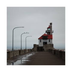 7.South-Pier-light-325