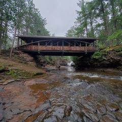 10.Tiny Bridge, Big River - 288