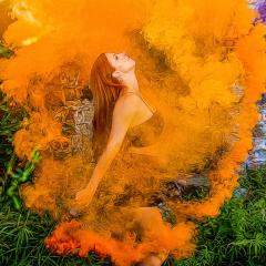 Creative Acceptance - Larissa in Smoke - Fred Sobottka