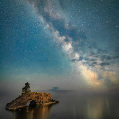 Pictorial - The Milky Way at Hollow Rock - Marianne Diericks